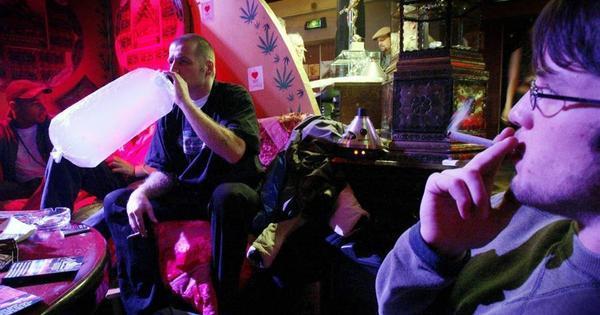 Para controlar turismo, Amsterdã pode vetar maconha a estrangeiros - Notícias